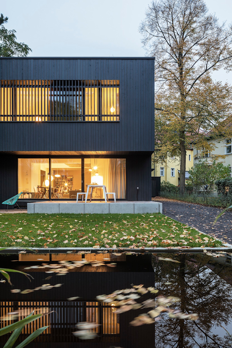 Industrial style houses by SEHW Architektur GmbH Industrial