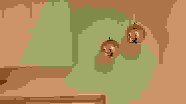 樓梯轉角燈光: 斯堪的納維亞  by 懷謙建設有限公司, 北歐風
