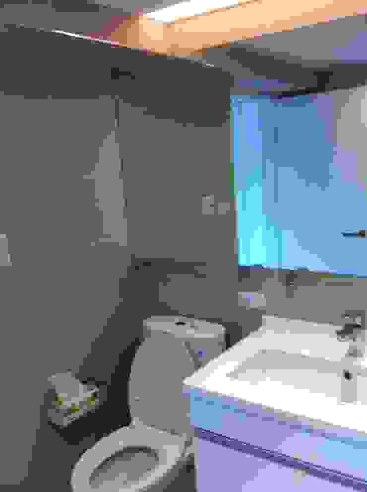 浴室: 斯堪的納維亞  by 懷謙建設有限公司, 北歐風