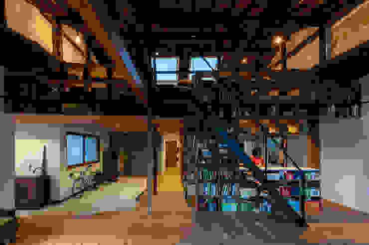 神戸大倉山の家 北欧デザインの リビング の エイチ・アンド一級建築士事務所 H& Architects & Associates 北欧 木 木目調