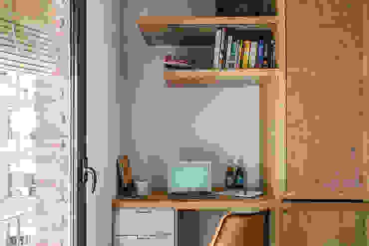 Phòng học/văn phòng phong cách Địa Trung Hải bởi Bloomint design Địa Trung Hải