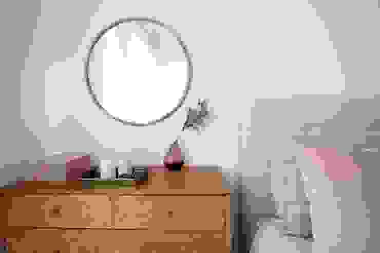 Cómoda de quarto com espelho Rima Design Quartos escandinavos