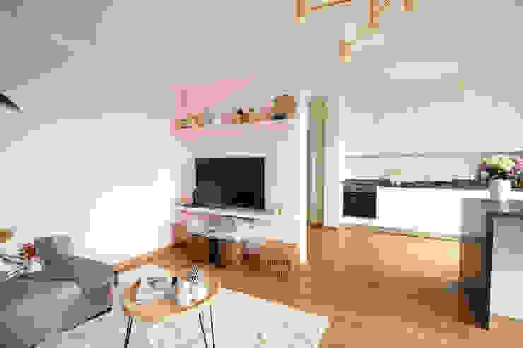 Sala e cozinha em open space Rima Design Salas de estar escandinavas