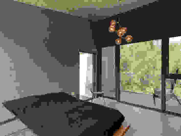 Projekty,  Sypialnia zaprojektowane przez 形構設計 Morpho-Design,