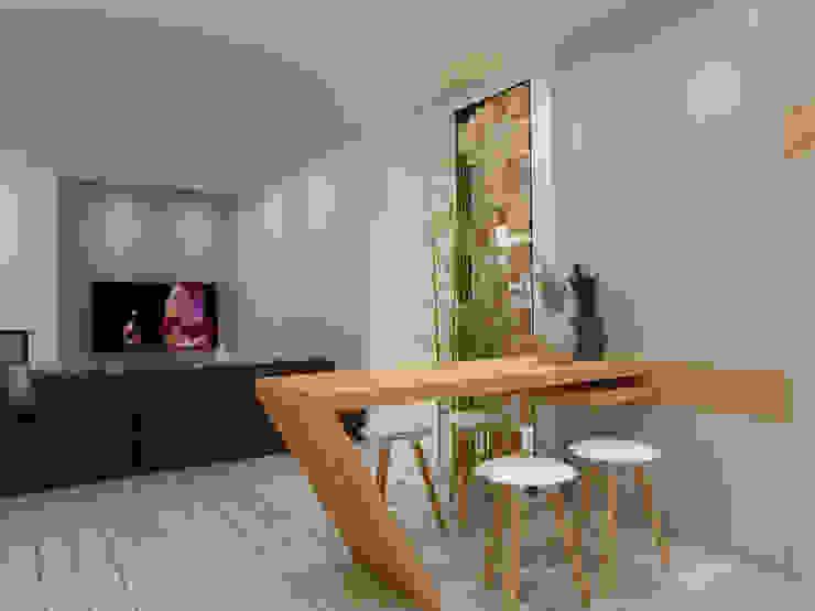 Apartamento São Félix da Marinha: Cozinhas  por Angelourenzzo - Interior Design,Minimalista