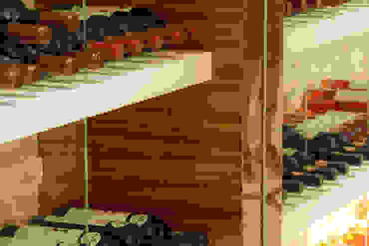 Moderestilo - Cozinhas e equipamentos Lda LivingsBibliotecas, estanterías y modulares Tablero DM Multicolor