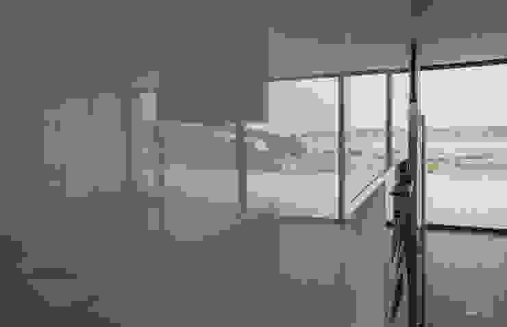 Moderestilo - Cozinhas e equipamentos Lda Built-in kitchens White