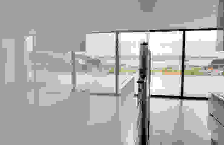 Moderestilo - Cozinhas e equipamentos Lda Dapur Modern White