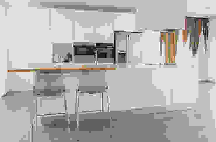 Moderestilo - Cozinhas e equipamentos Lda Kitchen units White