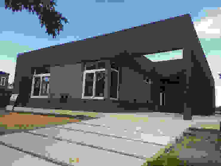 KorteSa arquitectura Modern Houses Grey