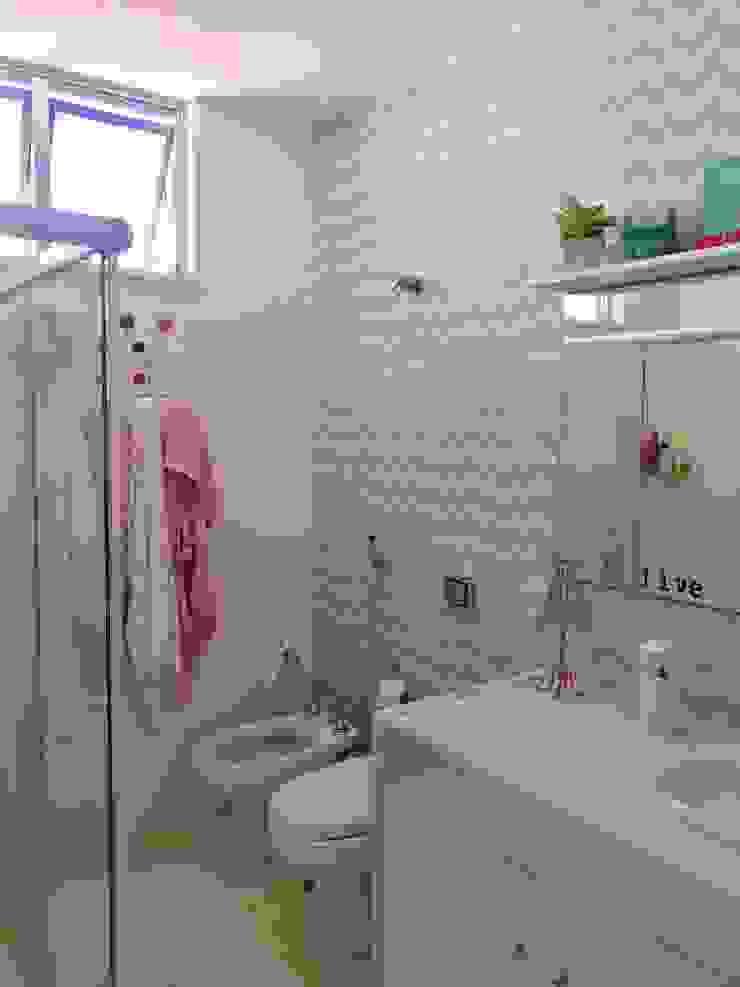 Banheiro por Maria Claudia Faro
