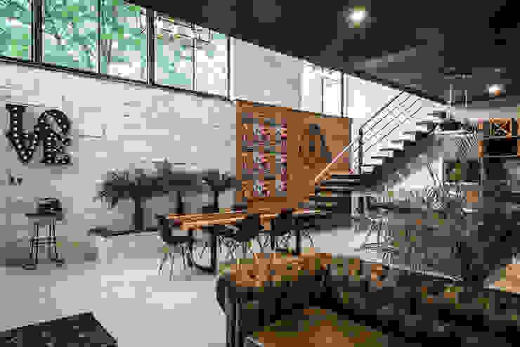 Loft Concord Arquitectos Ejecutivos Salones modernos Multicolor