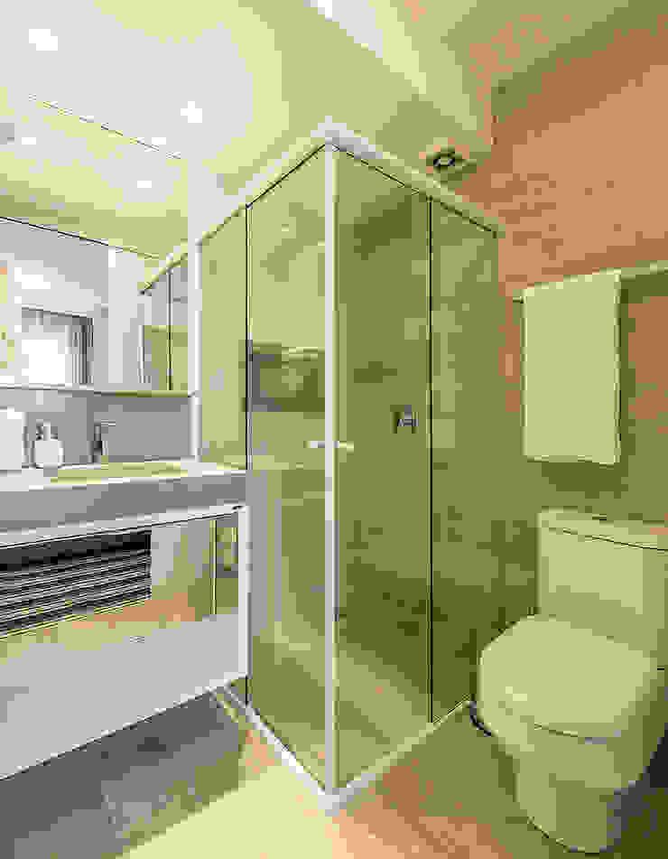Modern bathroom by Espaço do Traço arquitetura Modern