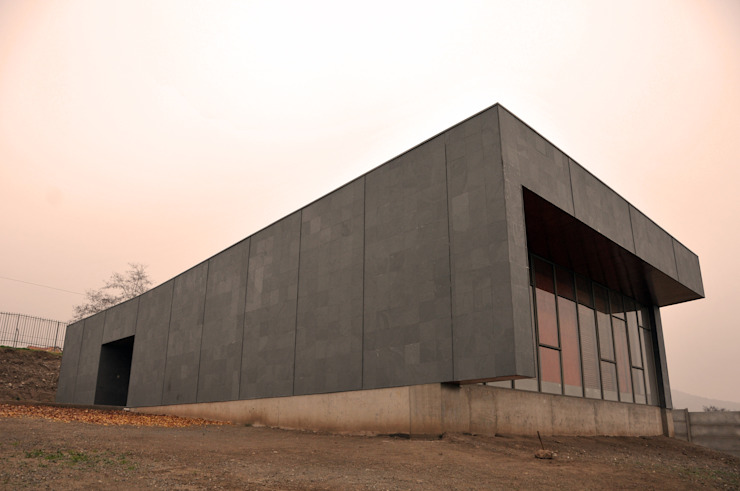 根據 m2 estudio arquitectos - Santiago 簡約風