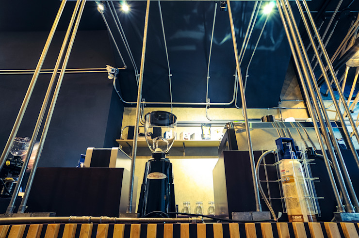 High-Tech _ Lofting Coffee _ Inside_D 泫工所構築設計研究室 Offices & stores
