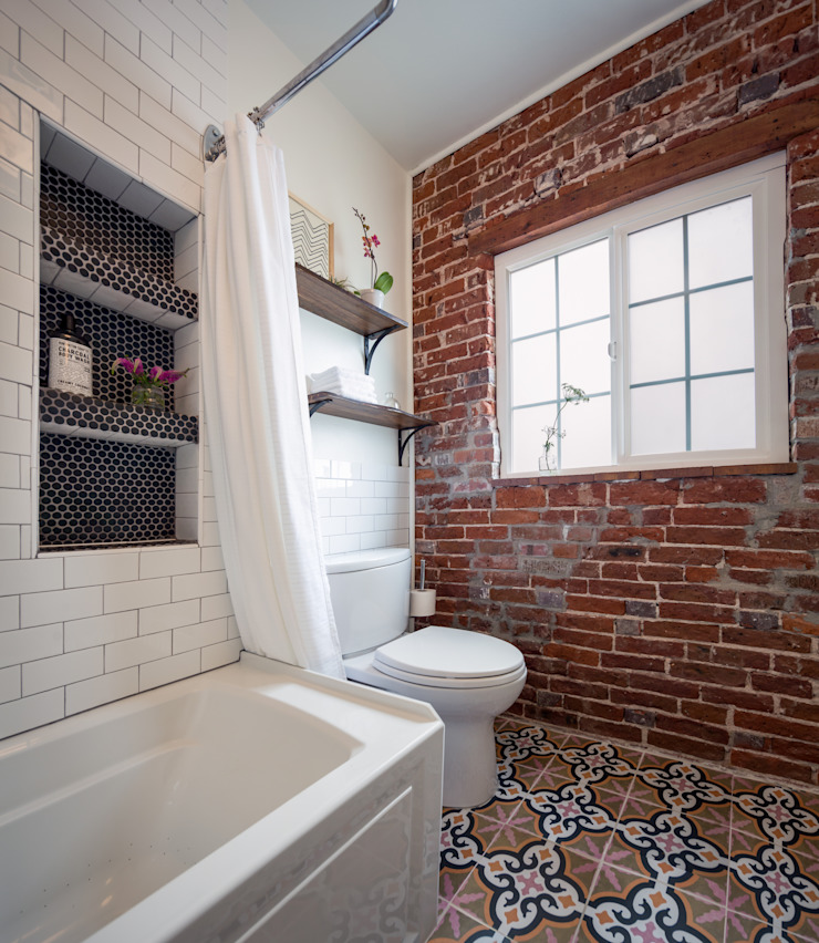 Pattern and Texture: A Bold, Yet Simple, Bathroom Eclectic style bathroom by Laura Medicus Interiors Eclectic