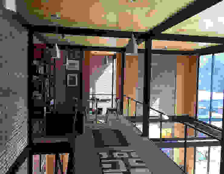 Vista interior Livings de estilo industrial de homify Industrial