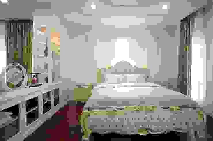 ห้องนอน: คลาสสิก  โดย Sweethouseclass Co.,Ltd., คลาสสิค