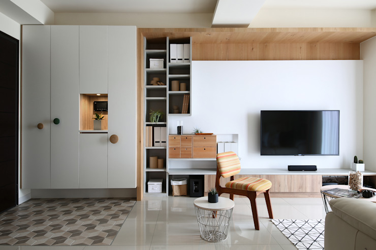 日式無印收納宅電視牆 根據 達譽設計 北歐風 實木 Multicolored