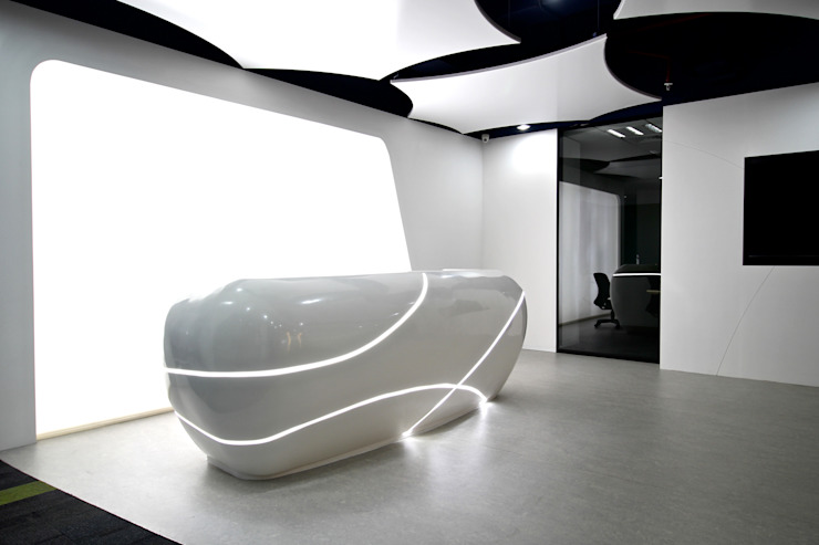 Office:modern  oleh PT. Cornelius Corianindo, Modern Bahan Sintetis Brown