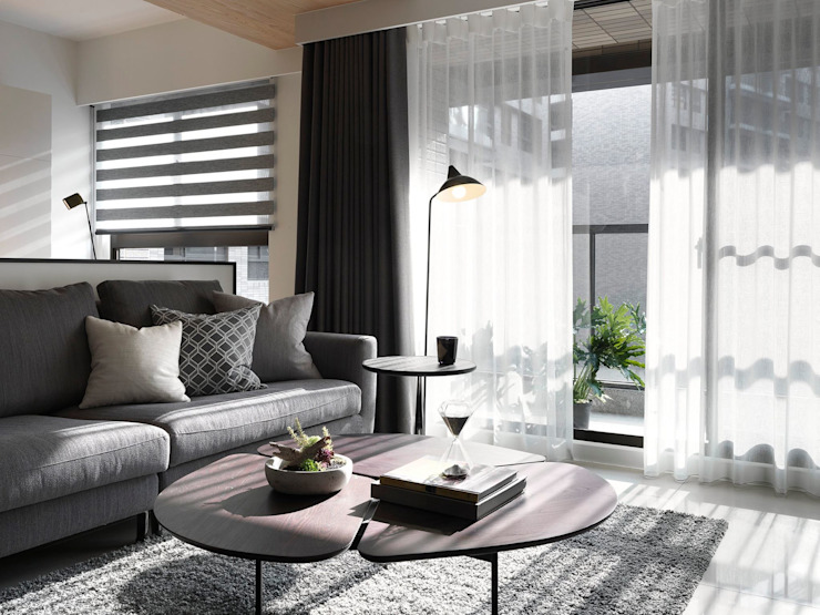 Salas / recibidores de estilo  por 御見設計企業有限公司