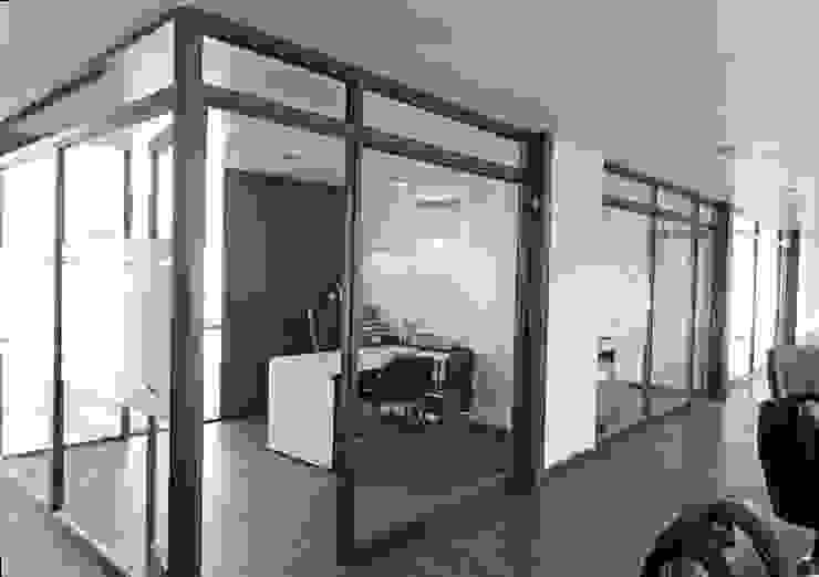 Oficinas Modulares Transportables m2 estudio arquitectos - Santiago Salas multimedia de estilo minimalista