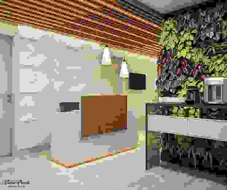 RECEPÇÃO COMERCIAL Clínicas modernas por Camila Pimenta   Arquitetura + Interiores Moderno Madeira Efeito de madeira