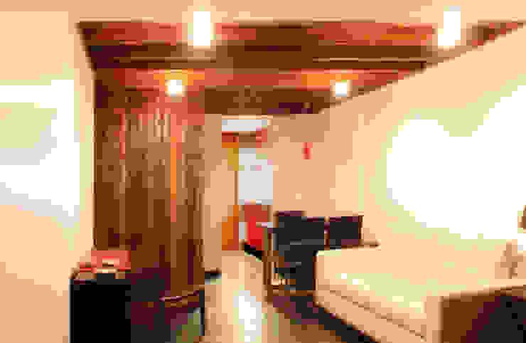 Casa Pazols Livings de estilo moderno de m2 estudio arquitectos - Santiago Moderno Pizarra