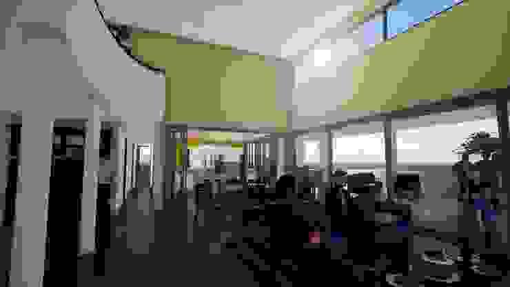 Expansión del living-comedor Salas de estilo clásico de BIM Urbano Clásico Ladrillos