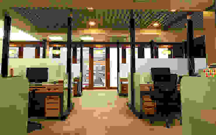 KSG Office โดย Pilaster Studio Design อินดัสเตรียล