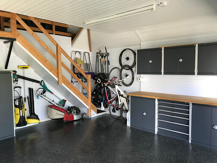 Garageflex Case Study of a Fantastic Garage Makeover in Hertfordshire โดย Garageflex โมเดิร์น