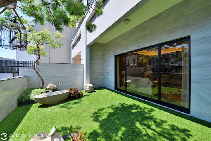 住盛不動產/天鑽V-金迷風尚 現代房屋設計點子、靈感 & 圖片 根據 SING萬寶隆空間設計 現代風