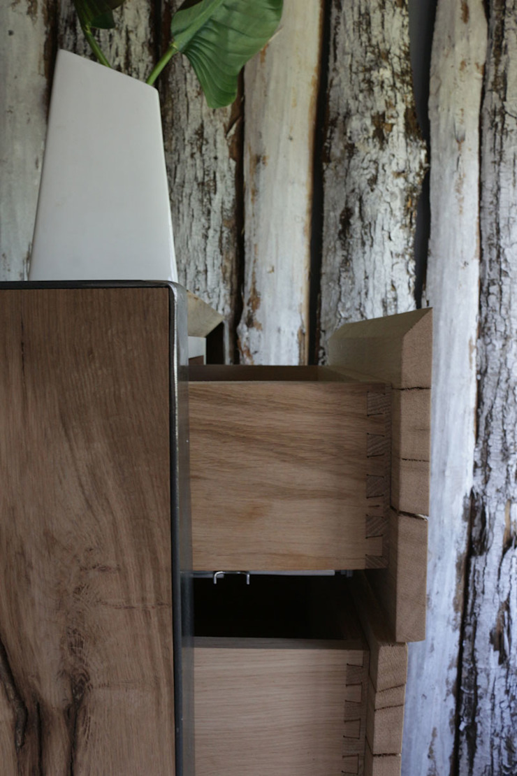 eclectic  by Essenza Legno , Eclectic Solid Wood Multicolored