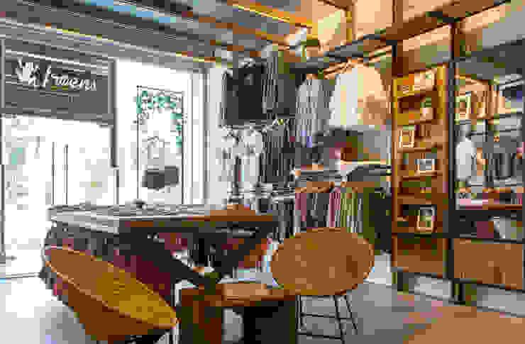 Tienda Froens – Luis Pasteur de milimetroMETRO Arquitectura Moderno