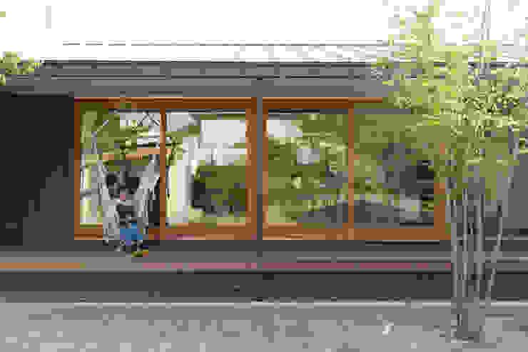 toki Architect design office Modern conservatory Wood Brown