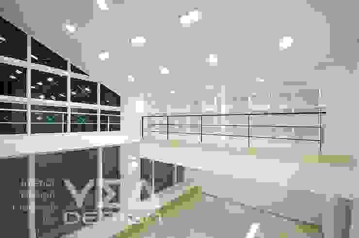 자투리공간 서재로 활용하기: 예아디자인   [주]디자인그룹예아의 현대 ,모던 우드 우드 그레인