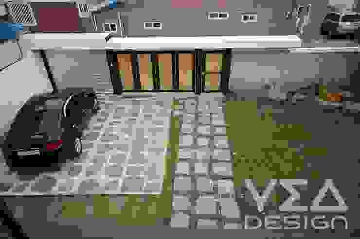넓은 마당에 잔디와 텃밭과 차고지까지 구성해보기: 예아디자인   [주]디자인그룹예아의 현대 ,모던 돌