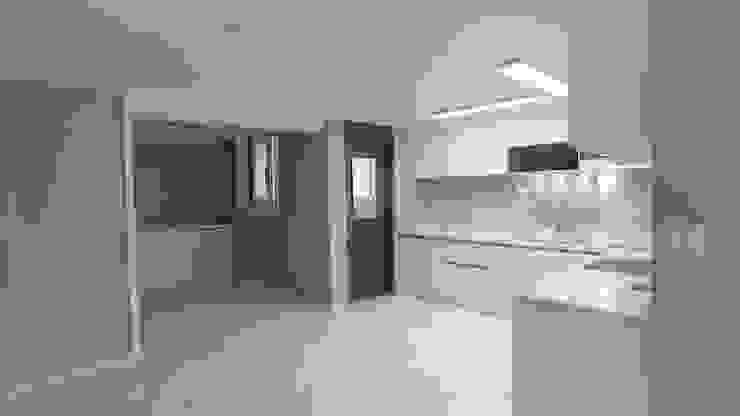 누구나 꿈꾸는 모던하우징_꿈마을 한신아파트 61평 인테리어_용디자인 by YONG DESIGN 모던