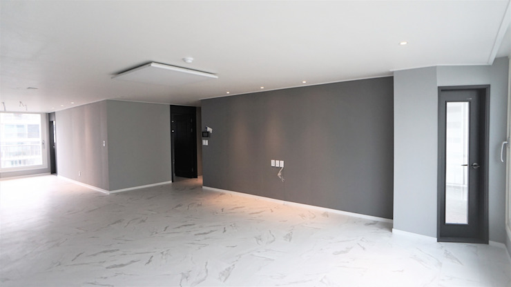누구나 꿈꾸는 모던하우징_꿈마을 한신아파트 61평 인테리어_용디자인 모던스타일 거실 by YONG DESIGN 모던