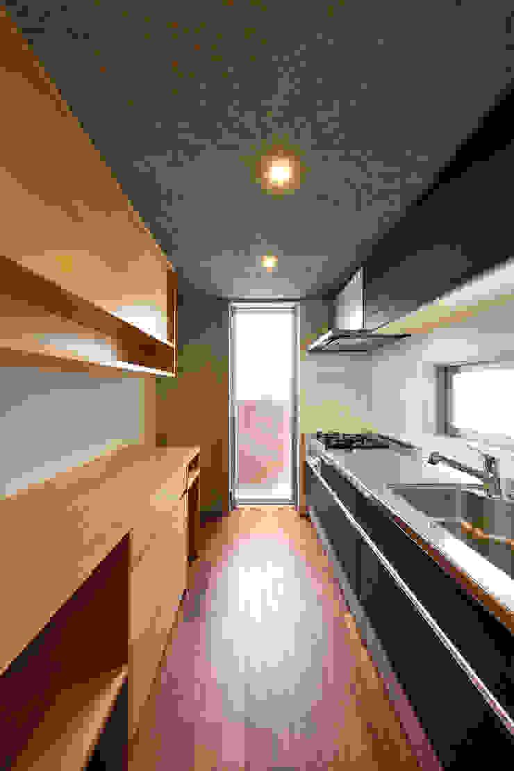 Modern kitchen by プラソ建築設計事務所 Modern