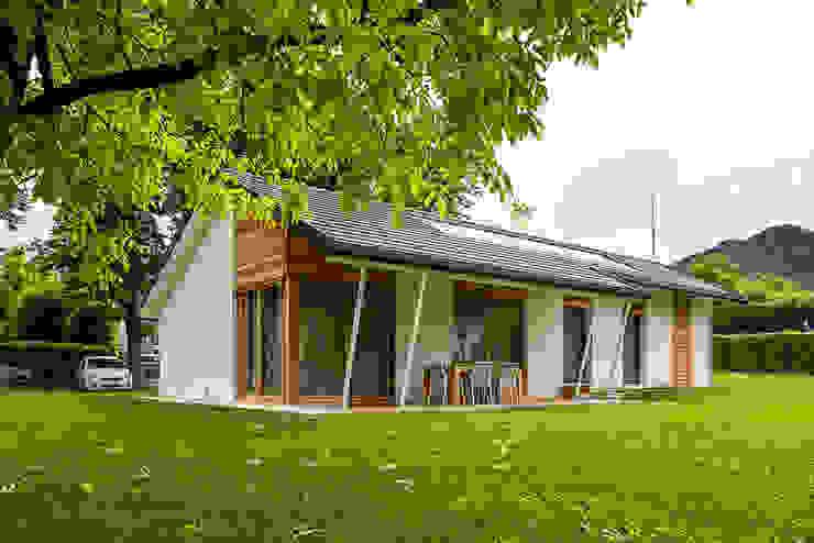 Piccoli grandi spazi abitativi Woodbau Srl Casa prefabbricata Legno Bianco