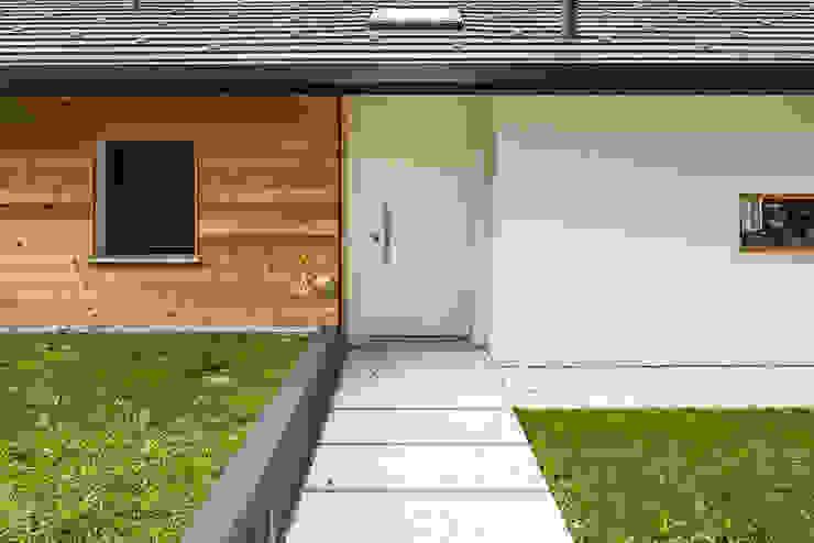 Woodbau Srl Koridor & Tangga Klasik Kayu White