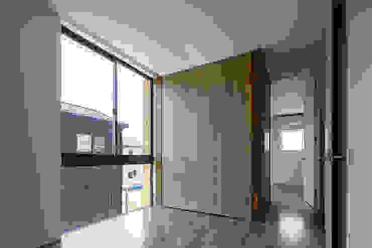 子ども部屋 松岡淳建築設計事務所 モダンデザインの 子供部屋