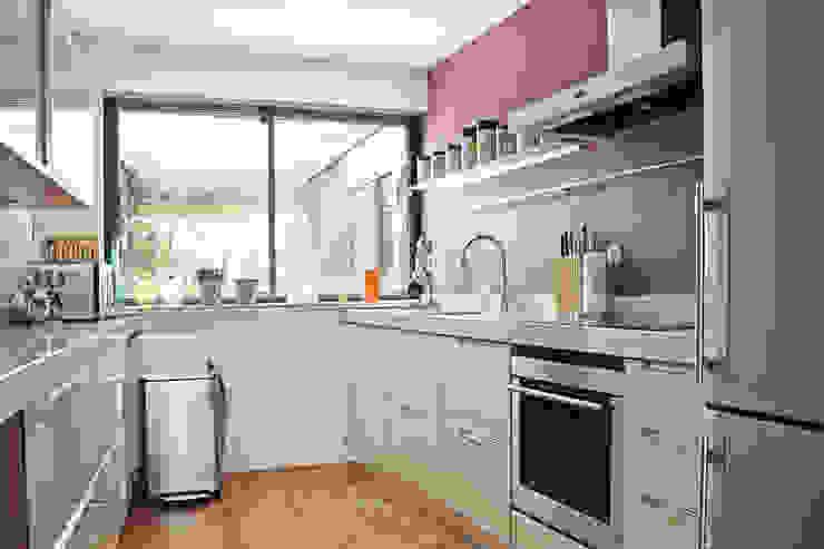 Kitchen by Regina Dijkstra Design, Eclectic