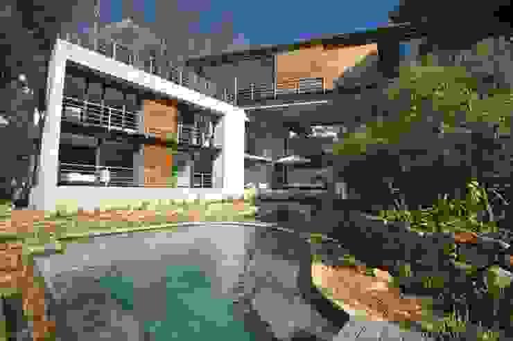 Garden & Pool by Van der Merwe Miszewski Architects Modern Wood Wood effect