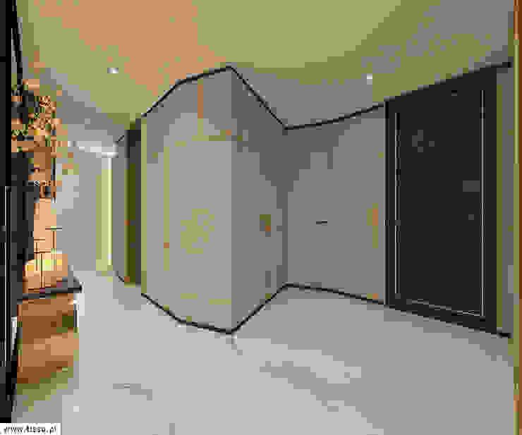 Modern corridor, hallway & stairs by TISSU Architecture Modern Wood Wood effect
