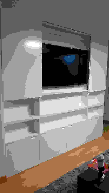 Mueble tv cerrada de Minimalistika.com Minimalista