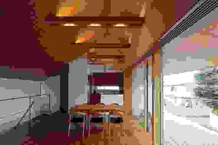 つなぎ梁の家 西島正樹/プライム一級建築士事務所 ダイニングルーム椅子&ベンチ 木 木目調
