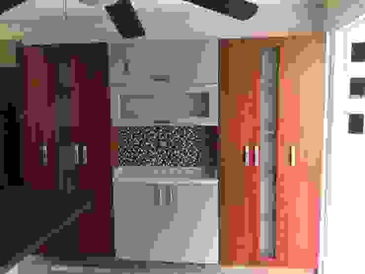 Cocina moderna con acabado en madera en diferentes tonos K+A COCINAS Y ACABADOS DE MONTERREY SA DE CV Cocinas equipadas Madera Acabado en madera