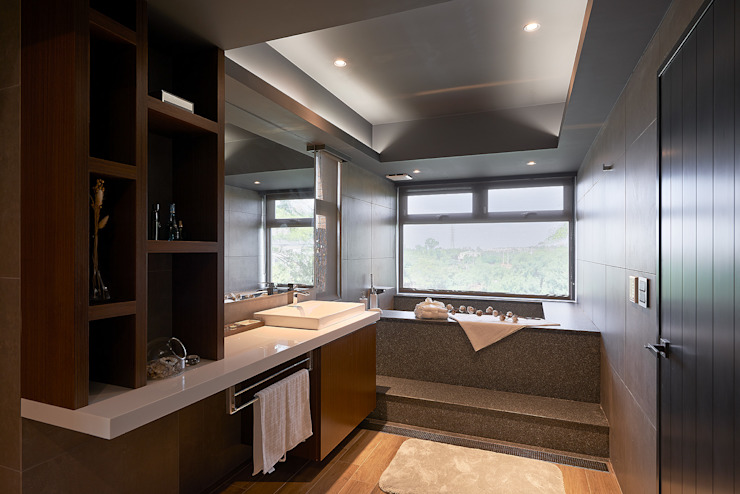 美式休閒渡假別墅 現代浴室設計點子、靈感&圖片 根據 層層室內裝修設計有限公司 現代風